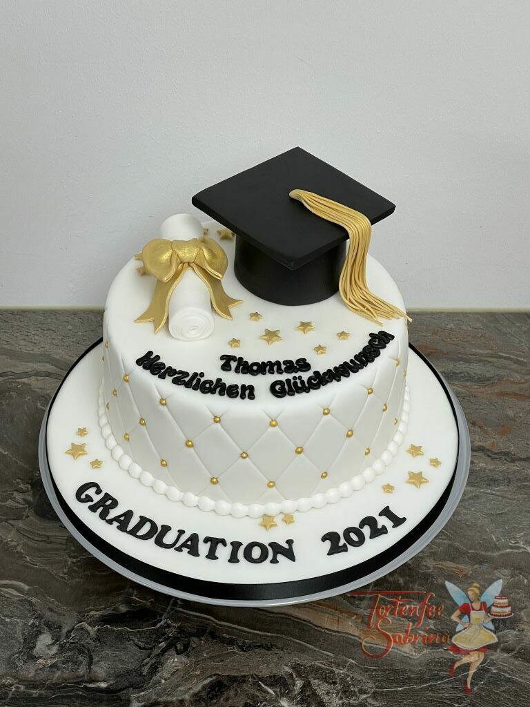Anlasstorte - Diplom mit goldener Schleife und Sternen. Ebenfalls auf der Torte ist ein Rautenmuster mit goldenen Perlen.