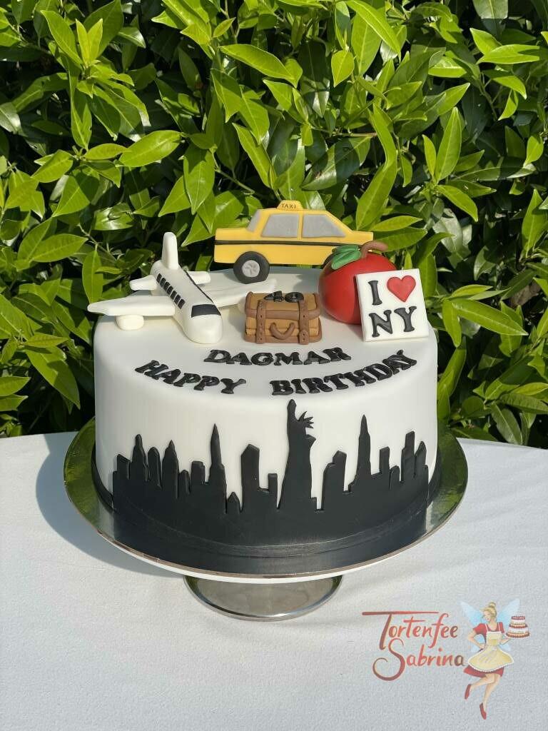 Geburtstagstorte Erwachsene - Ab nach New York ist das Thema der Torte, dekoriert wurde sie mit der Skyline von New York und weitern typischen Dingen.