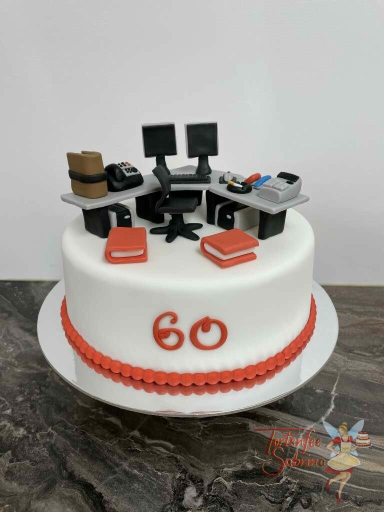 Geburtstagstorte Erwachsene - Alltag im Büro, hier wurde auf der Torte mit viel Liebe zum Detail ein Büroschreibtisch mit alle Kleinigkeiten verziert.
