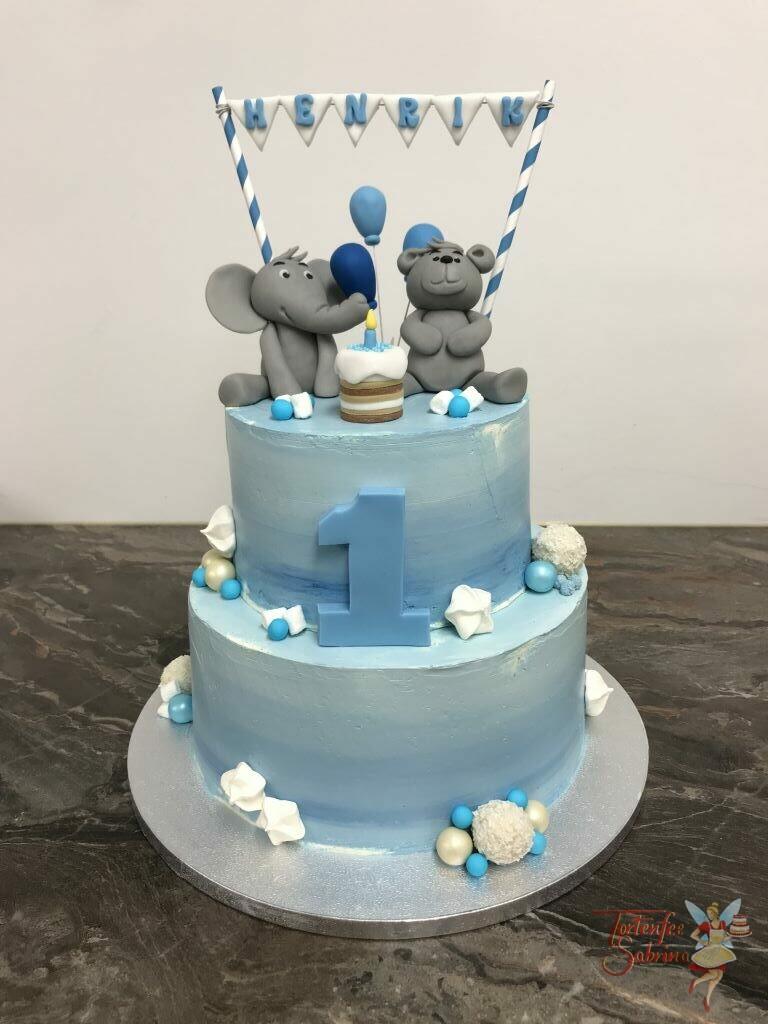 Geburtstagstorte Buben - Blaue Girlande darunter sitzen ein Elefant und ein Bär und freuen sich ebenfalls auf ihre Geburtstagstorte.