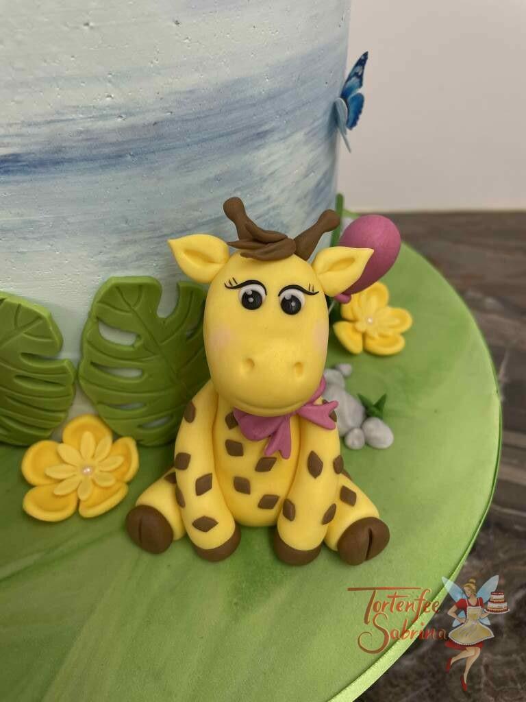 Geburtstagstorte Mädchen - Der Elefant und seine Freunde mitten im Dschungel und sitzen ziwschen Blättern und Luftballons.