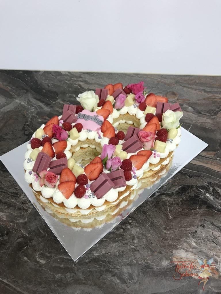 Geburtstagstorte Mädchen - Letter Cake ganz in Rosa und Rot mit Süßigkeiten, Früchten und Rosen