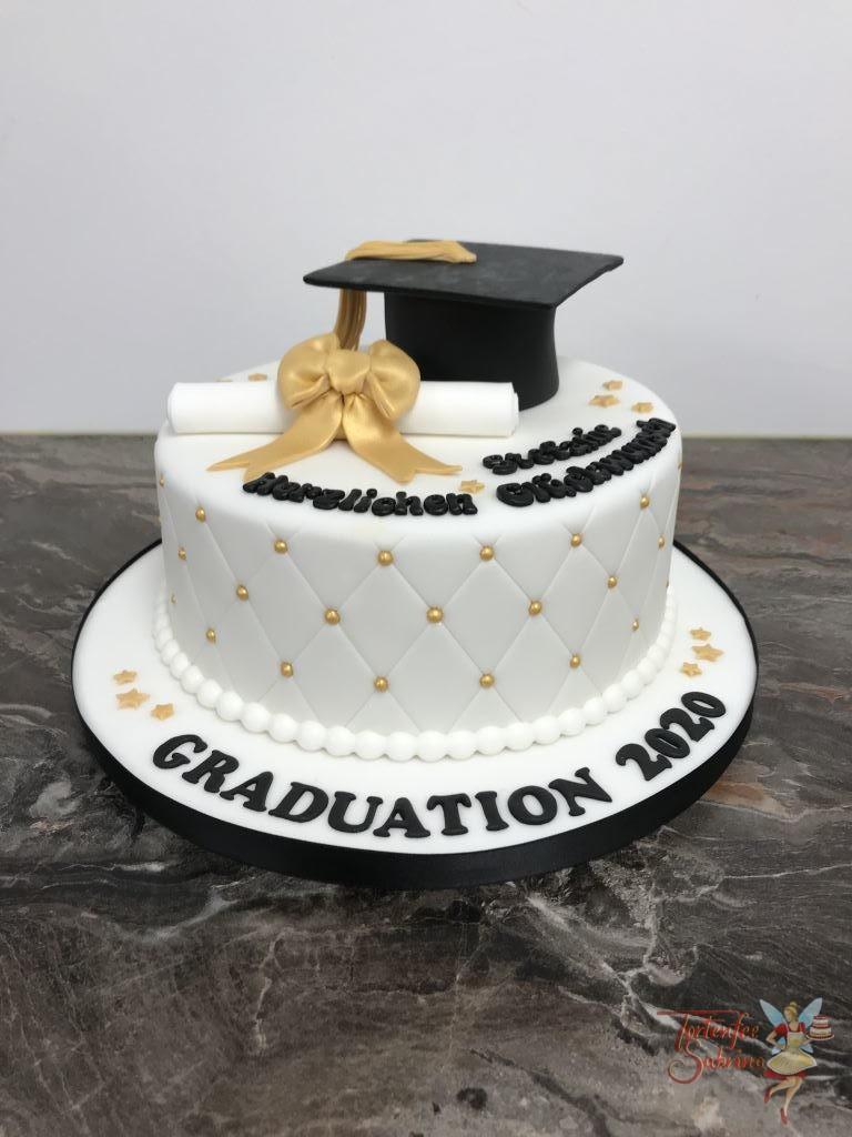 Geburtstagstorte Erwachsene - Diplom mit Hut und Schleife in der Farbe gold zieren diese Torte, ebenso wie das Rautenmuster seitlich.
