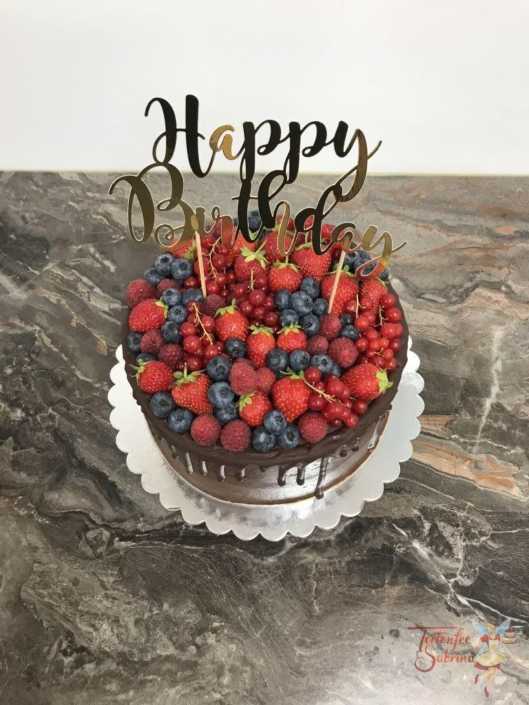 Geburtstagstorte Erwachsene - Ein Meer an Beeren, ein schöner Drip Cake mit vielen verschiedenen Beerensorten und Cake Topper.