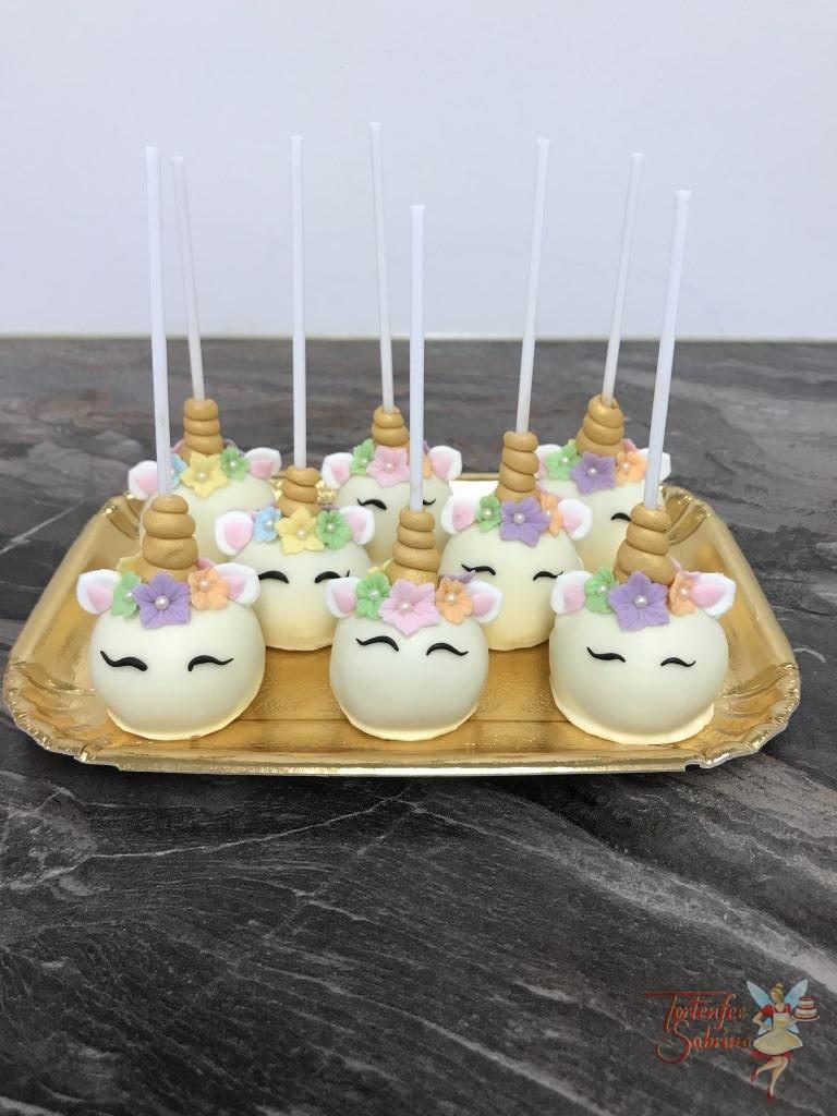 Geburtstagstorte Erwachsene und Cake Pops - Einhorn mit Regenbogen, Wolken und Sternen
