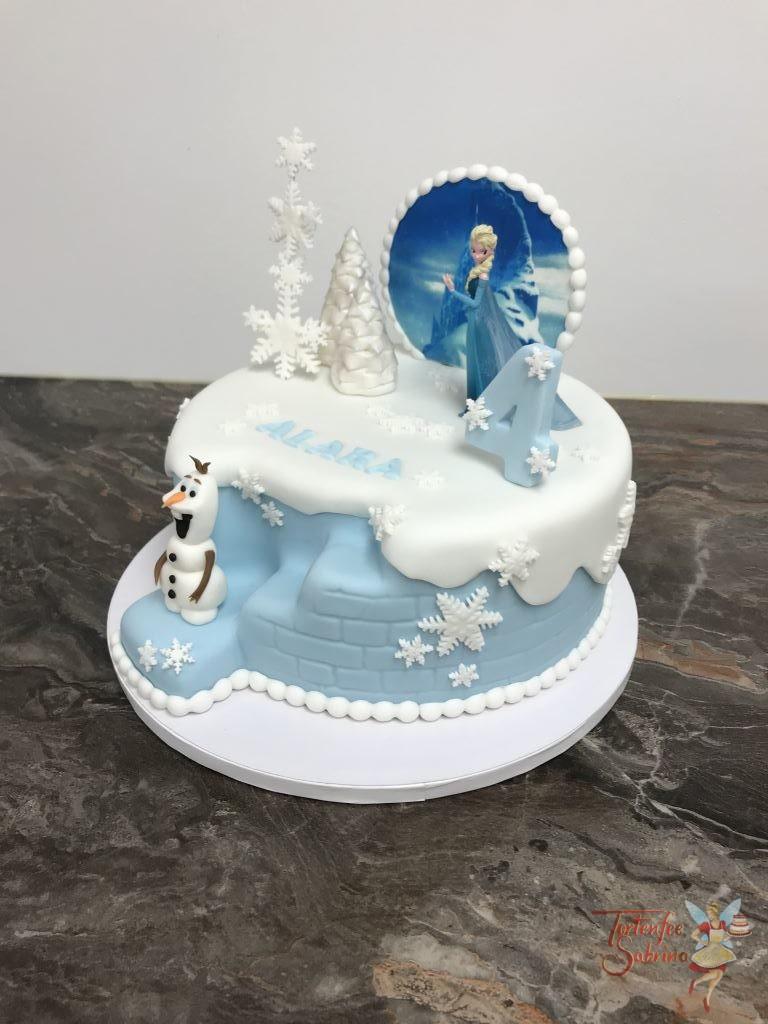 Geburtstagstorte Mädchen - Elsa und Olaf beim Eisschloss mit Bäumen und Schneeflocken
