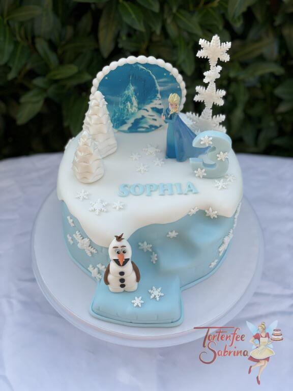 Geburtstagstorte Mädchen - Elsa und Olaf mit vielen Schneeflocken und einer verschneiten Winterlandschaft.