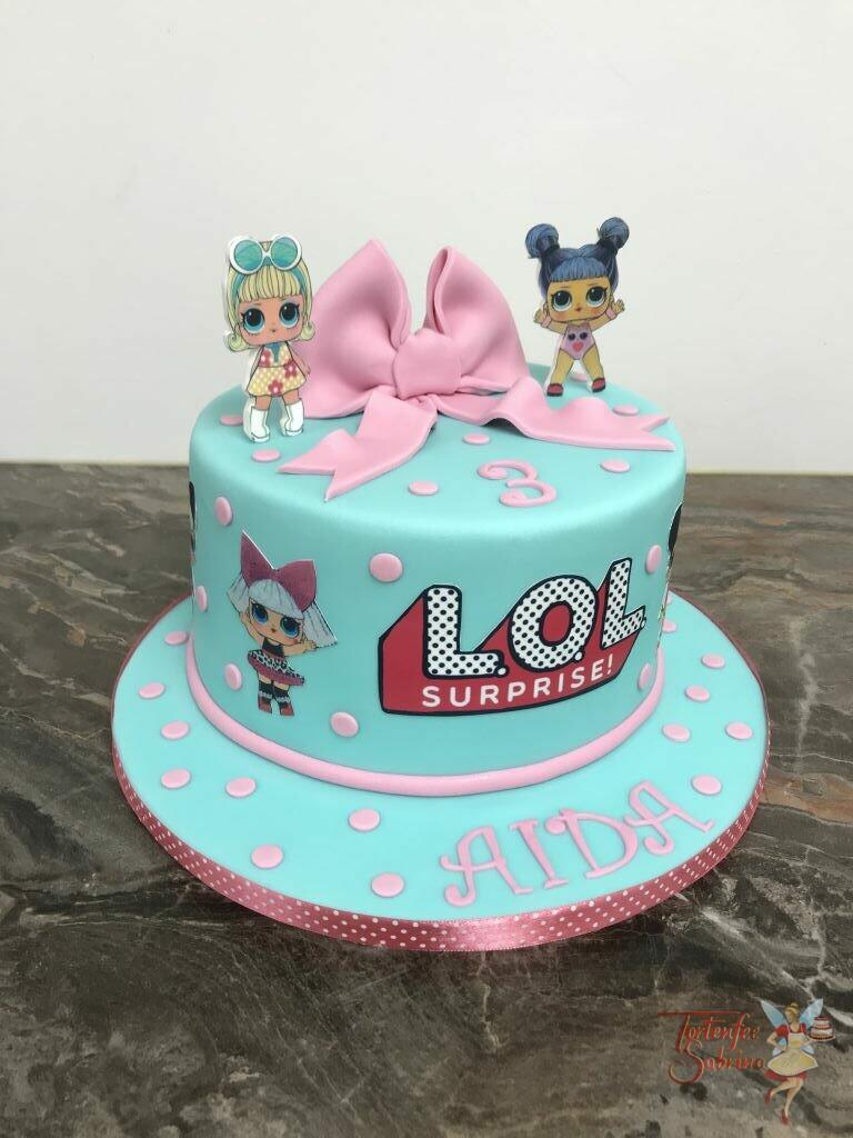 Geburtstagstorte Mädchen - LOL Suprise mit rosa Schleife und Punkten, natürlich dürfen auch die süßen Puppen nicht fehlen.