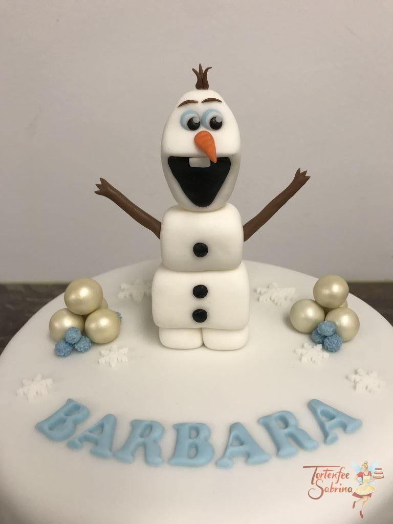Geburtstagstorte Erwachsene - Olaf ganz groß, hier wurde die Torte mit einer weißen Schneedecke überzogen und mit Schneeflocken verziert.