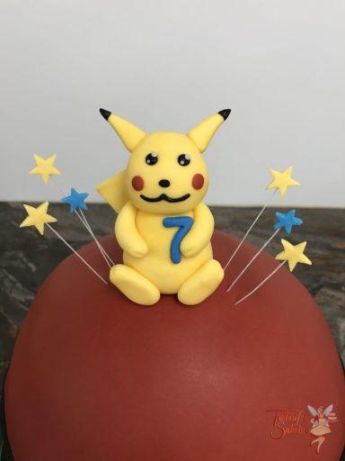 Geburtstagstorte Buben - Pikachu auf dem Pokeball mit Sternen