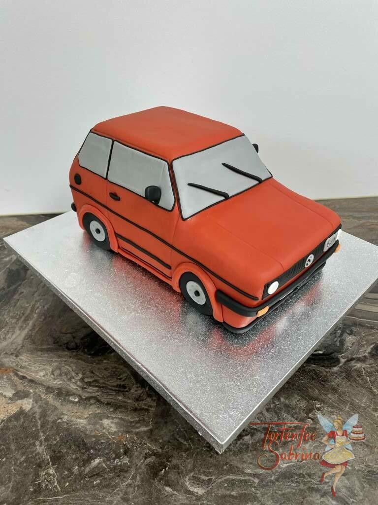 Geburtstagstorte Erwachsene - Schneller roter Golf GTI wurde hier in Form einer Torte verwirklicht mit vielen Details.