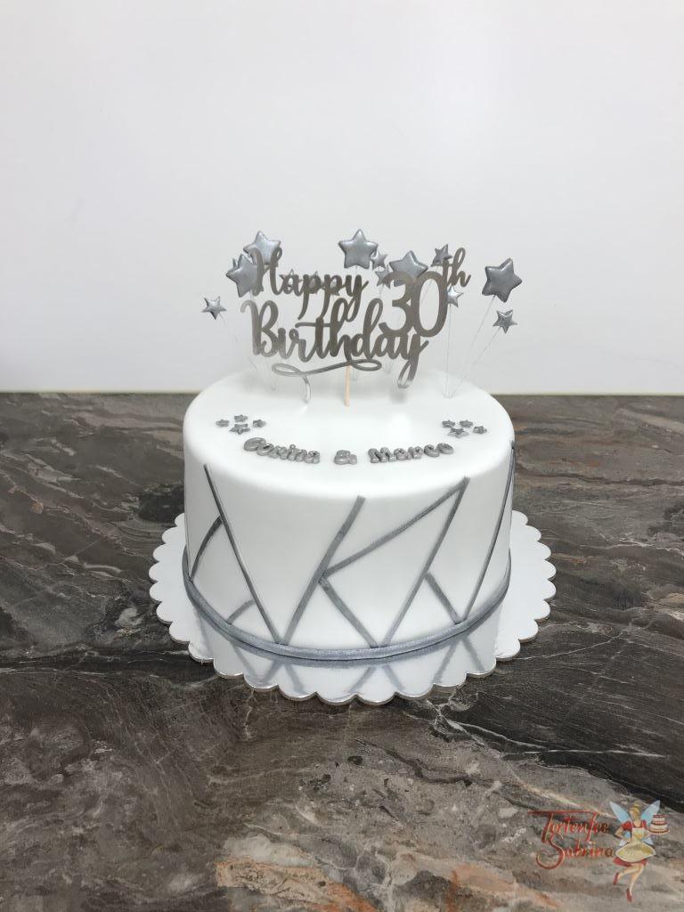 Geburtstagstorte Erwachsene - Silver Lines hier wurde die Torte mit silbernen Linien verziert, oben auf der Torte sind Sterne und Cake Topper.