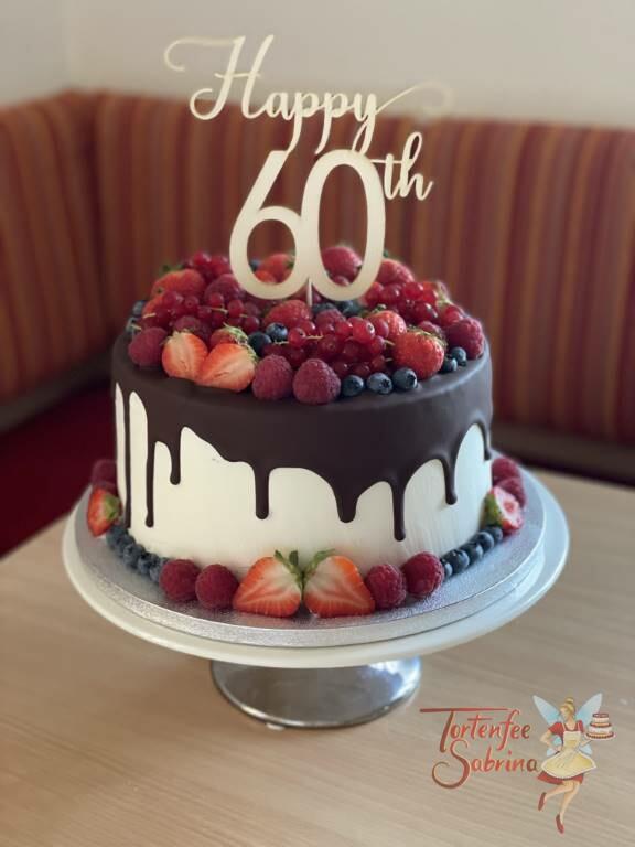 Geburtstagstorte Erwachsene - So viele Früchte auf dem Drip Cake mit passendem Cake Topper zum 60ten Geburtstag.