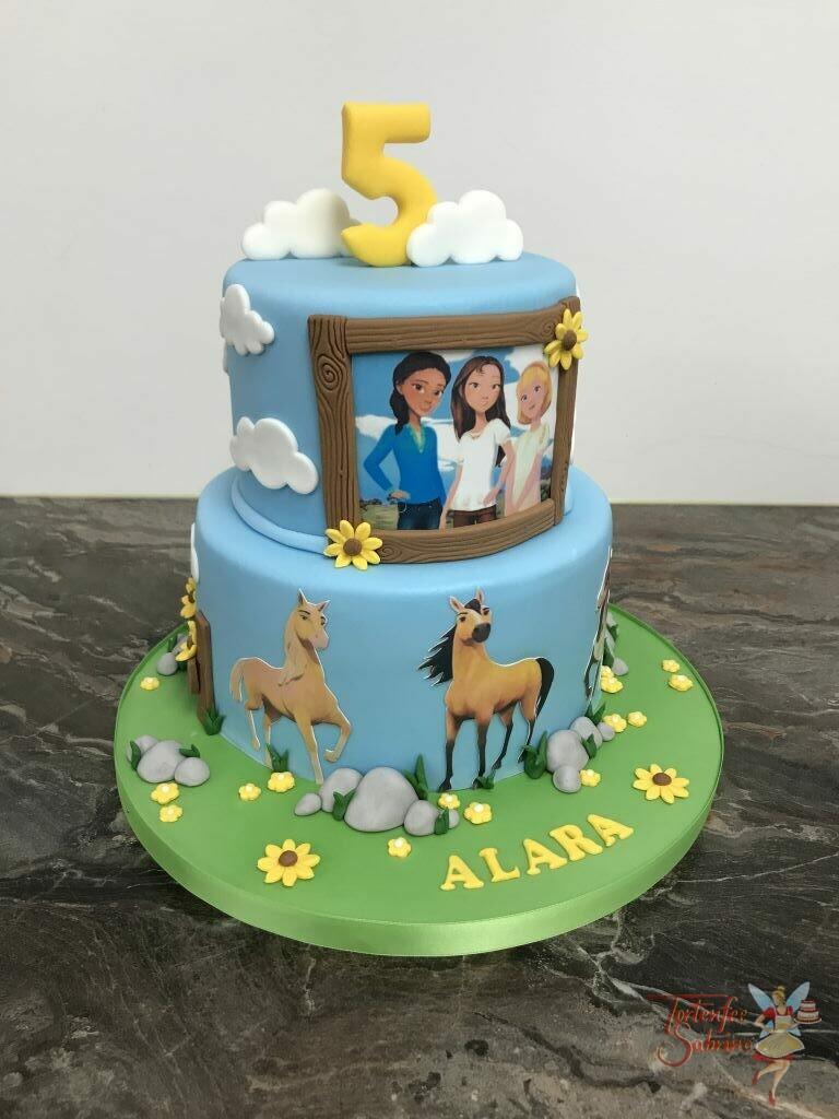 Geburtstagstorte Mädchen - Spirit wild und frei ist das Motiv für die Torte, sie wurde mit dem Bild der drei Mädchen und Pferden verziert.