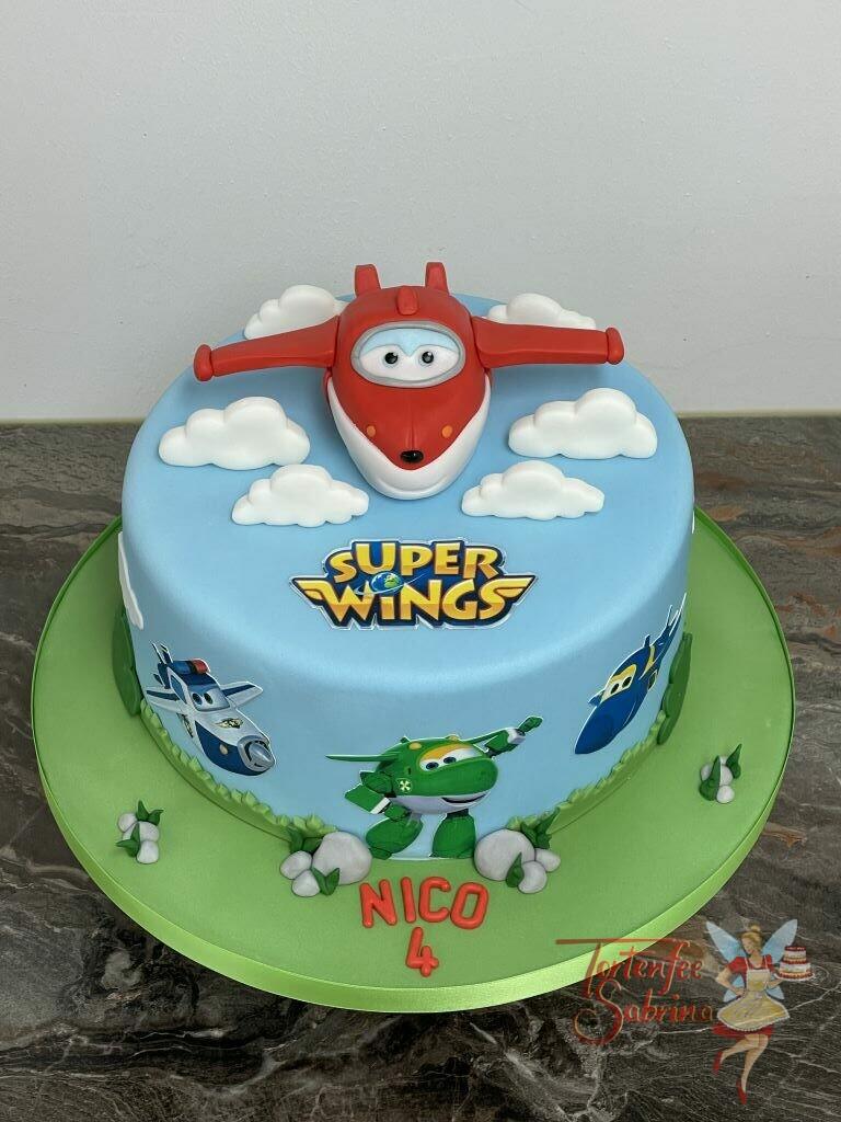Geburtstagstorte Buben - Super Wings Jet in der Farbe rot fliegt durch die weißen Wolken, unten zieren seine Flugzeugfreunde die Torte.