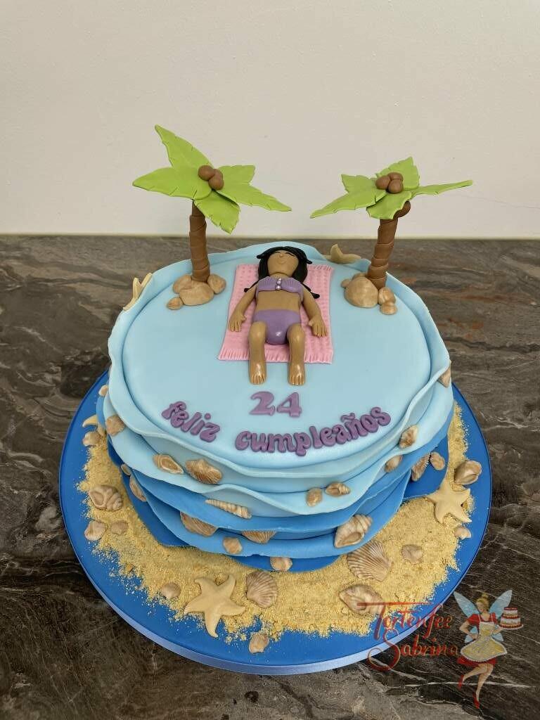 Geburtstagstorte Erwachsene - Urlaub unter Palmen ist das Thema der Torte, mit Sandstrand und vielen Muscheln.
