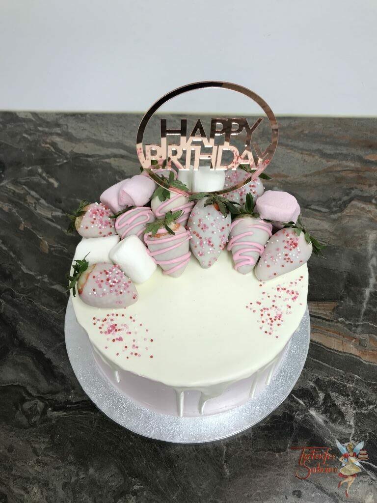 Geburtstagstorte Erwachsene - Weiße Schokoerdbeeren mit rosa Verzierung und Streusel zieren die Torte, ebenso ein Cake Topper.