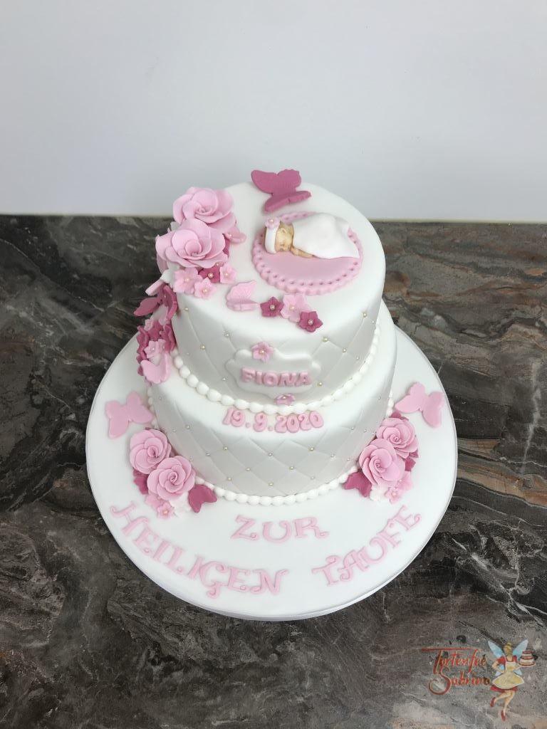 Tauftorte - Baby mit Schmetterlingen diese Torte ziert ein Rautenmuster mit Perlen und einer Blumengirlande.