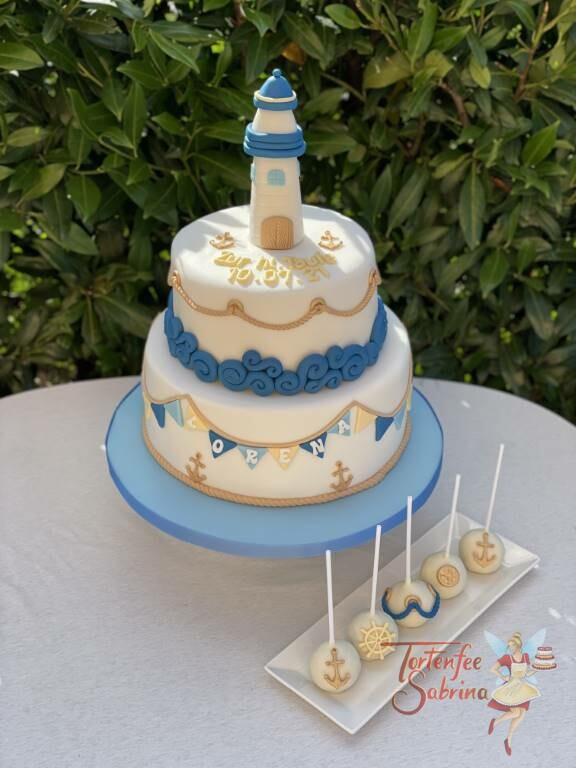 Tauftorte und Cake Pops - Lecuhtturm im Meer mit schönen blauen Wellen und goldenen Seilen.